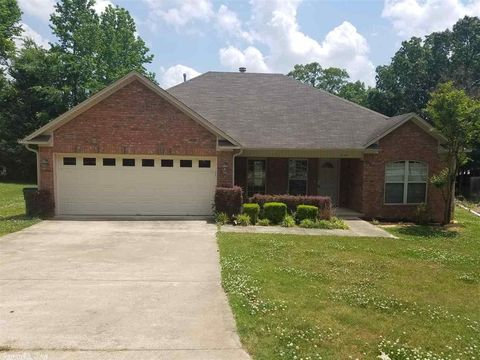 Photo of 1036 Golden Hills Dr, Cabot, AR 72023
