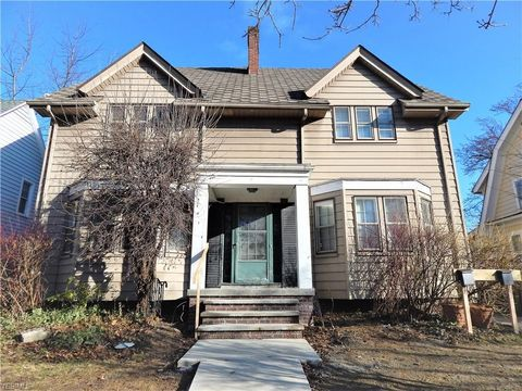 Photo of 2591 Idlewood Rd, Cleveland Heights, OH 44118