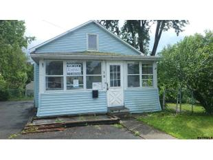 18 Highland View Ave, East Greenbush, NY 12144