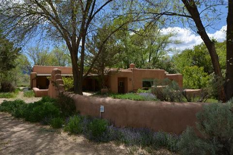 ranchos de taos black single women Properties in taos, new mexico ranchos de taos stakeout area come explore this beautiful horse property in the privacy and expansiveness that is black.