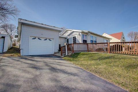 416 Union St, Johnson Creek, WI 53038