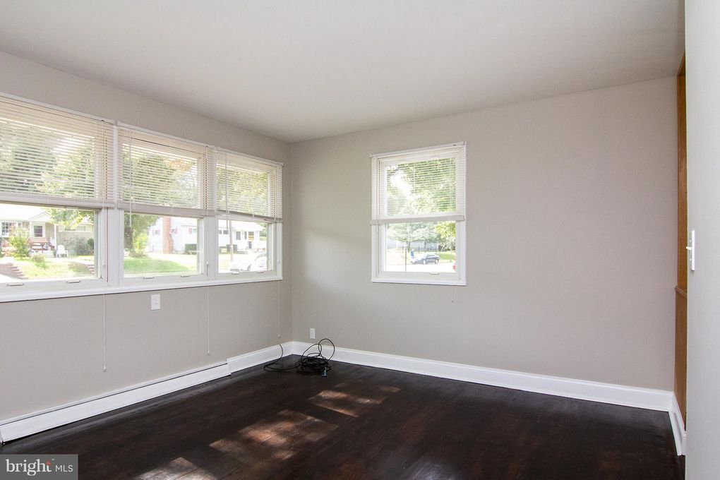 124 S Ritters Ln, Owings Mills, MD 21117