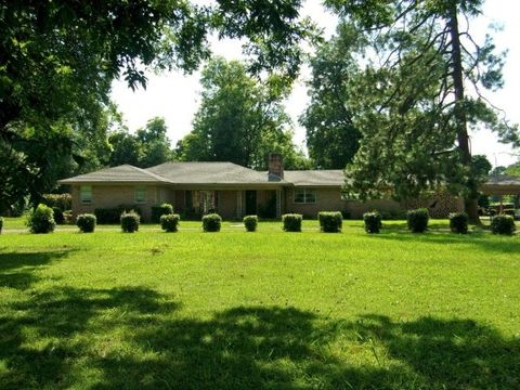 1499 Mary St, Greenville, MS 38701
