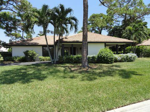 Photo of 435 Pine Villa Dr, Atlantis, FL 33462