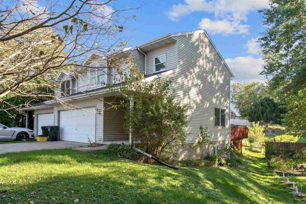 2010 Holiday Rd Coralville, IA 52241