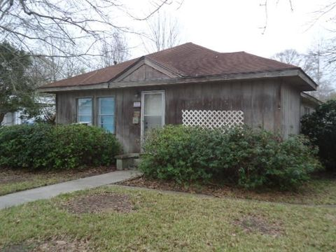 Photo of 221 S Curran Ave, Picayune, MS 39466