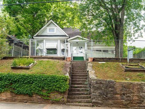 Photo of 67 Furman Ave, Asheville, NC 28801