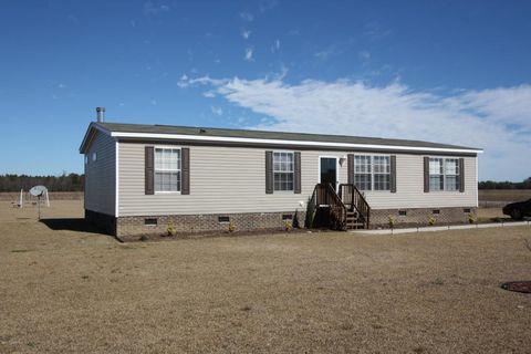 51 Charles Rd, Lumberton, NC 28358