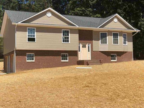 Photo of 223 Lauren Dr, Rogersville, TN 37857
