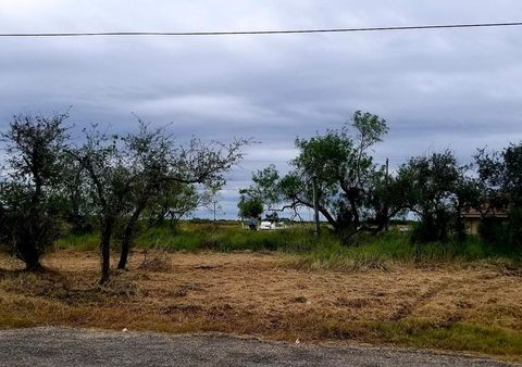 Photo of 105 Dead Ends Dr, Rockport, TX 78382