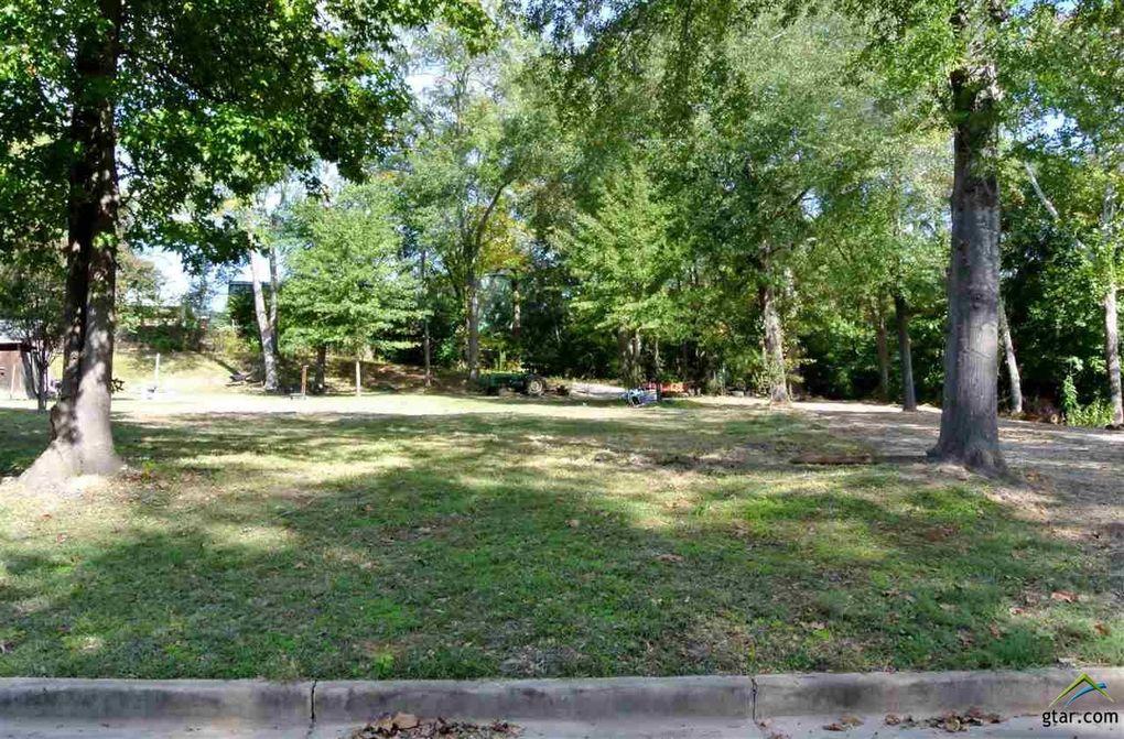 820 Willowcreek Dr Jacksonville, TX 75766