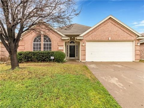 Photo of 9109 River Trails Blvd, Fort Worth, TX 76118