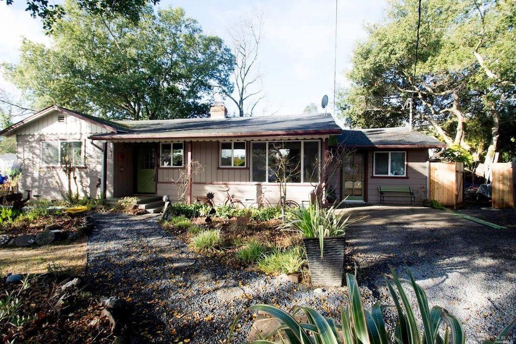 915 Middle Rincon Rd, Santa Rosa, CA 95409