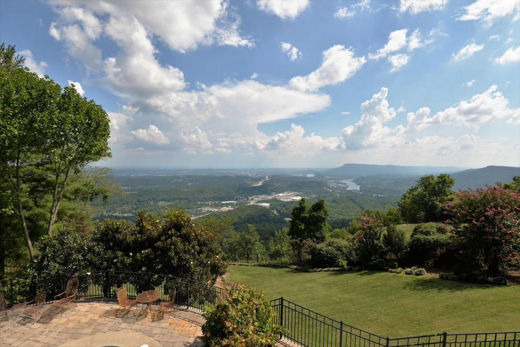 212 n palisades dr signal mountain tn 37377 for Best mountain towns to raise a family