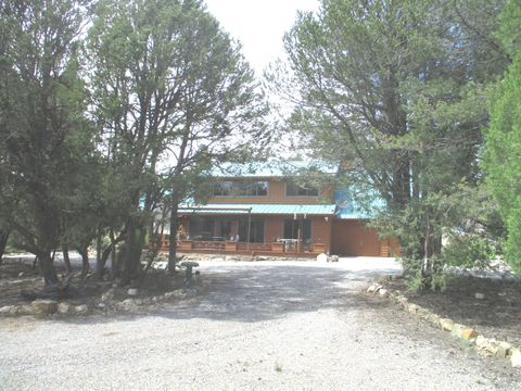 Photo of 8 Steven Wald Rd, Tijeras, NM 87059