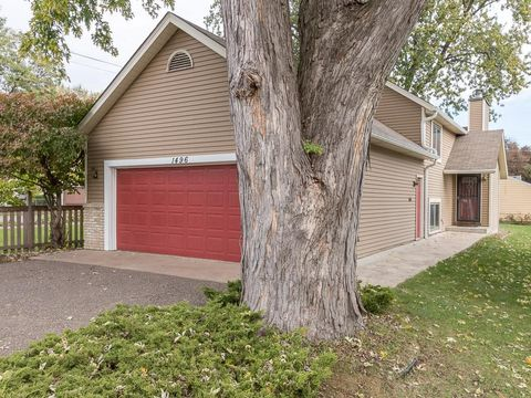 1496 Pascal St N Saint Paul MN 55108