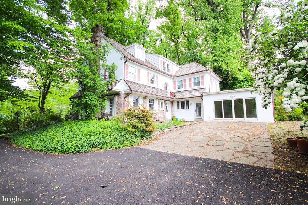 765 Wooded Rd, Jenkintown, PA 19046