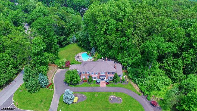 2 White Oak Ridge Ct Mendham Township, NJ 07945