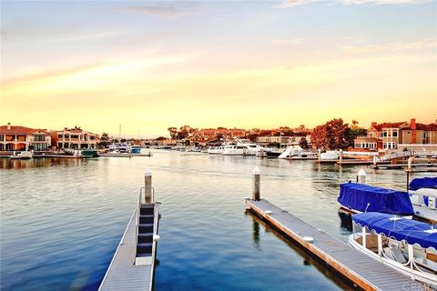 Photo of 12 Harbor Is, Newport Beach, CA 92660