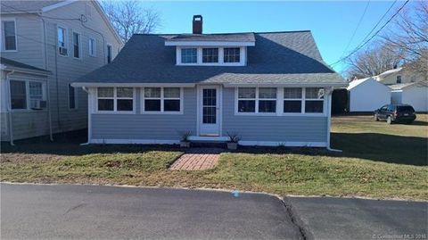 19 New Britain Rd, Old Lyme, CT 06371