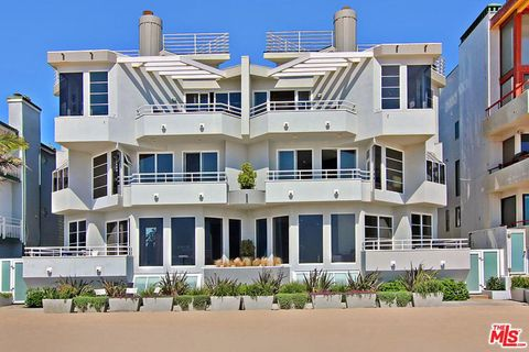 Photo Of 3509 Ocean Front Venice Ca 90292
