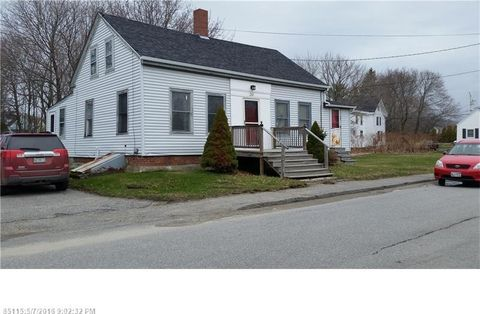 90 grace st rockland me 04841 home for sale and real estate listing