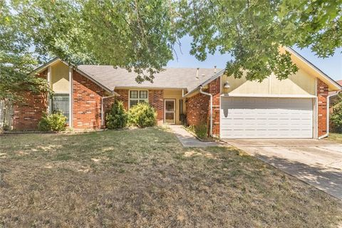 Photo of 11625 Sw 3rd Ter, Yukon, OK 73099
