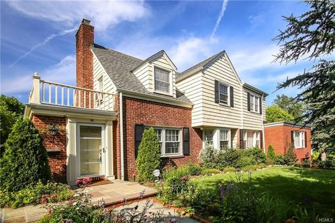 Photo of 35 Gordon Pl, Scarsdale, NY 10583