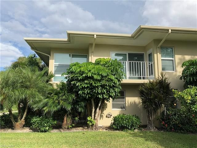 606 12th Ave S, Naples, FL 34102