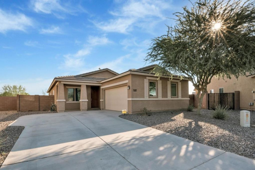 34593 N Hariana Rd, San Tan Valley, AZ 85143