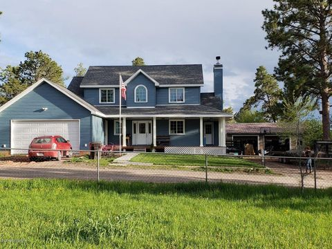 1142 Division St, Upton, WY 82730