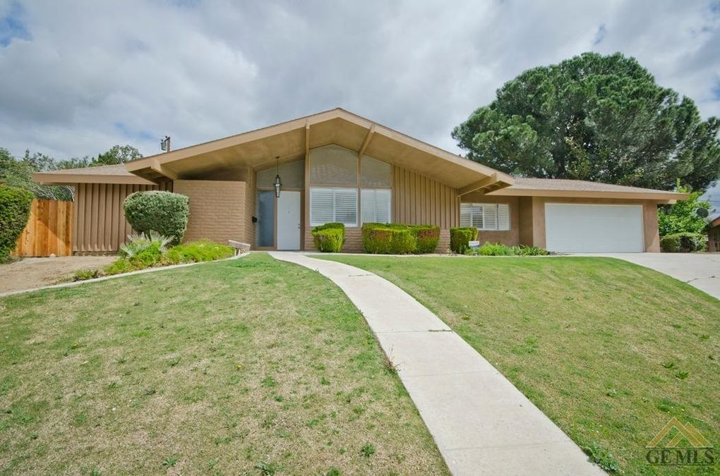 1936 Country Club Dr Bakersfield, CA 93306
