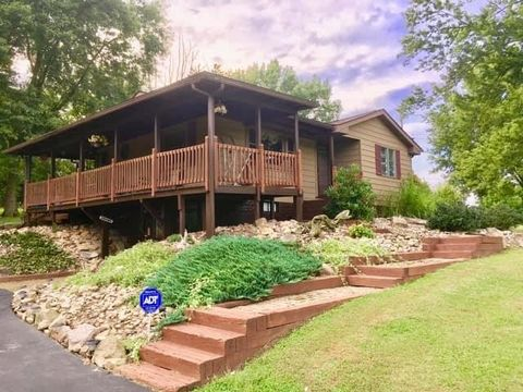 Photo of 213 Lairds Crossing Rd, West Franklin, PA 16262