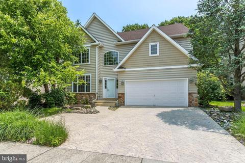 126 Riverwoods Dr, New Hope, PA 18938