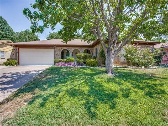 6421 Lavano Dr Edgecliff Village, TX 76134
