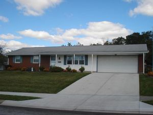 3158 Sherwood Park Dr Springfield OH 45505