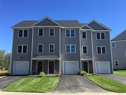 271 Riverneck Rd Unit 6, Chelmsford, MA 01824