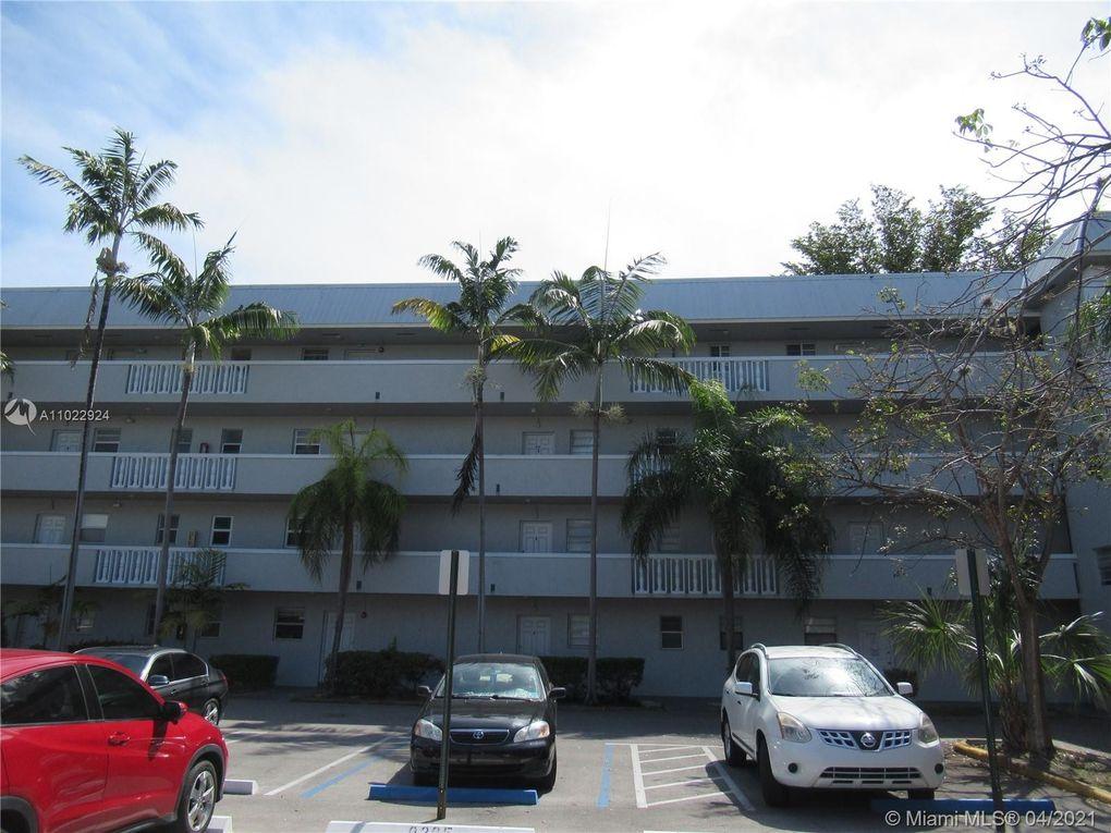 17255 SW 95th Ave Apt 448 Palmetto Bay, FL 33157