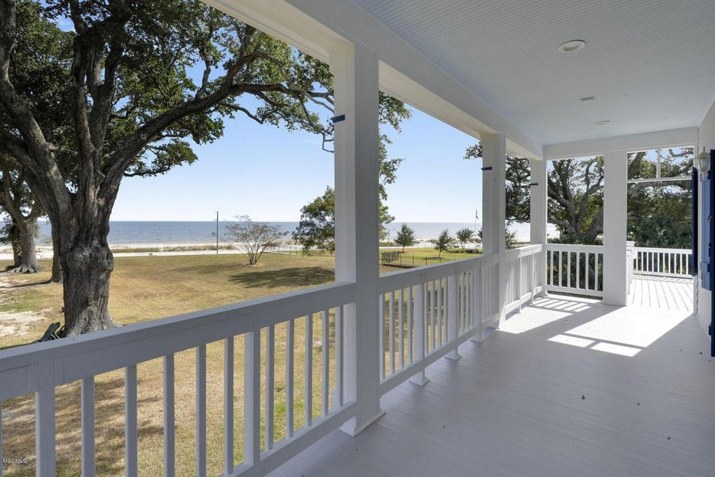 bay saint louis single girls 890+ items  your best source for bay saint louis, ms homes for sale, property photos, single family homes and more.