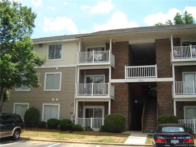 9535 university terrace dr apt a charlotte nc 28262 for Terrace restaurant charlotte