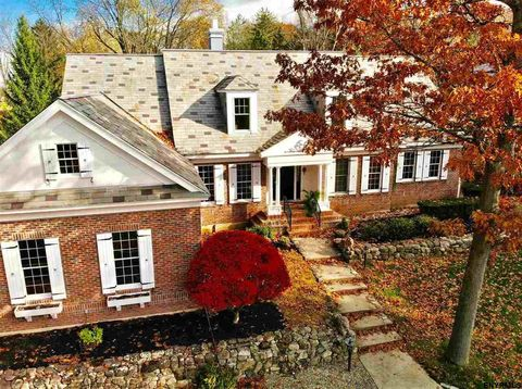 Photo of 7 Willow Spring Dr, Latham, NY 12110