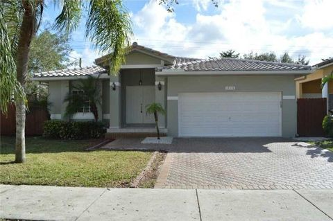 12152 Natalies Cove Rd, Cooper City, FL 33330