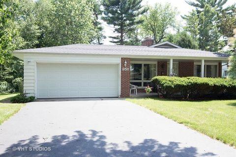 351 Maplewood Ln, Crystal Lake, IL 60014
