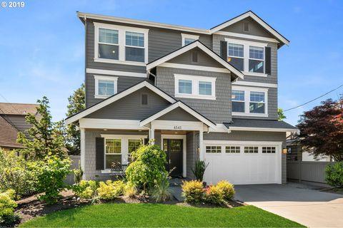 Photo of 4541 46th Ave Ne, Seattle, WA 98105