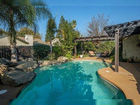 2459 N Bendel Ave, Fresno, CA 93722