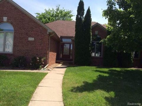 2698 Tallowtree Dr, Sterling Heights, MI 48314