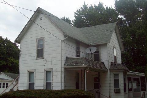 Photo of 204 W South St, Morrison, IL 61270