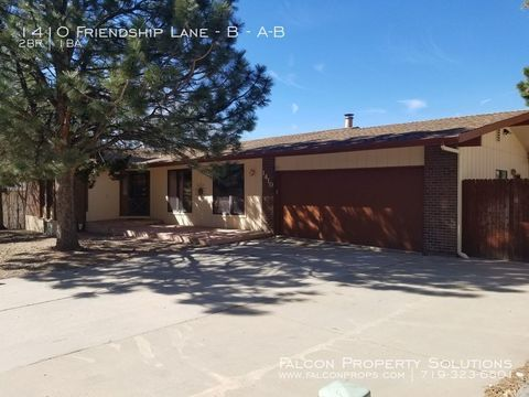 Photo of 1410 Friendship Ln Unit A-b, Colorado Springs, CO 80904