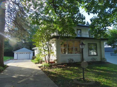 Photo of 58 N Mernitz Ave, Freeport, IL 61032