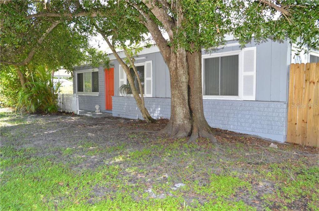 2113 S Tuttle Ave Sarasota, FL 34239
